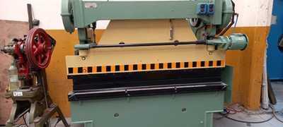 Plegadora de chapa 2.000 mm x 30 tns$850.000 Reacondicionada